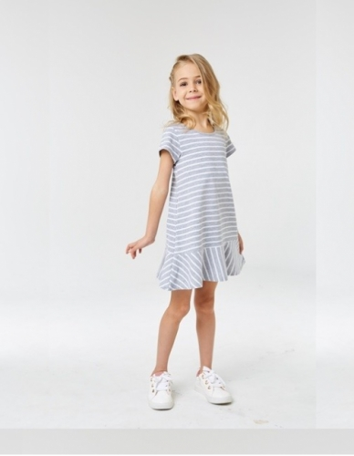 Платье для девочки р.110, серое в полоску UMKA