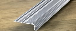 Вспомогательный алюминиевый профиль Quick-Step для отделки лестниц к ламинату 9.5 мм